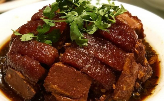 Chinese Food Daging Babi
